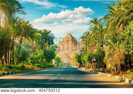 Road In Giza To The Pyramids In Egypt