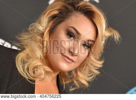 LOS ANGELES - JAN 08:  Emma Hunton arrives for Freeform's
