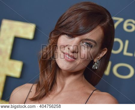 LOS ANGELES - JAN 05:  Actress Frankie Shaw arrives for Showtime Golden Globe Nominee Celebration Premiere on January 05, 2019 in West Hollywood, CA