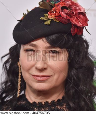 LOS ANGELES - JAN 19:  Producer Amy Sherman-Palladino arrives for the 30th Annual Producers Guild Awards on January 19, 2019 in Beverly Hills, CA