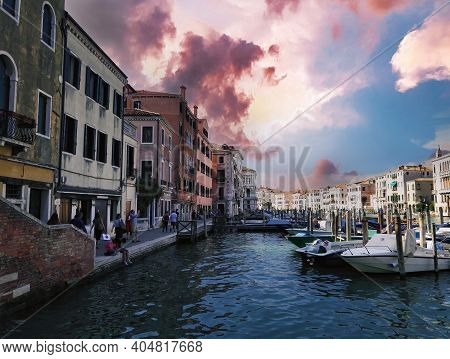 Venice, Italy - September 02, 2018: Dramatic Wide Angle Landscape Of Grand Canal And Italian Colorfu