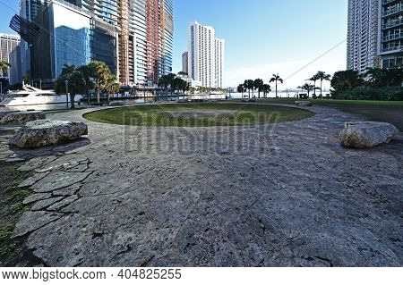 Miami, Florida 01-24-2021 Miami Circle, An Archeological Site At Brickell Point Attributed To Teques