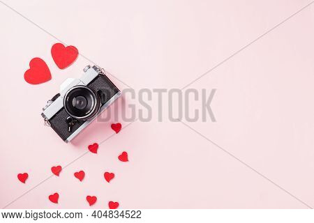 Valentines' Day Background. Vintage Retro Camera And Red Hearts Composition Greeting Card Love Valen