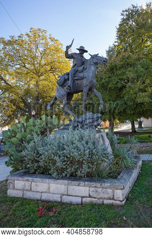 San Marcos, Texas, Usa - November 3, 2020: Statue Of John Coffee Hays Member Of The Texas Rangers.