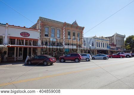 Georgetown, Texas, Usa - November 3, 2020: Historic Buildings In The Commercial Area On Main St
