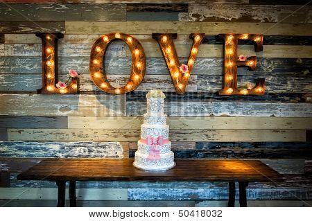 Wedding Cake With Love