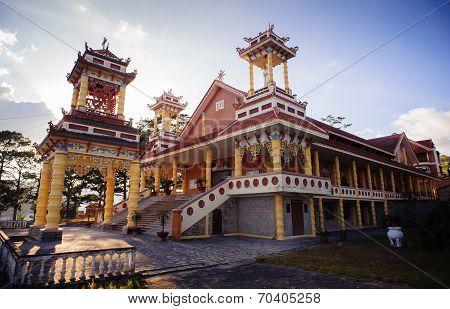 Du Sinh - oriental style church - Dalar city