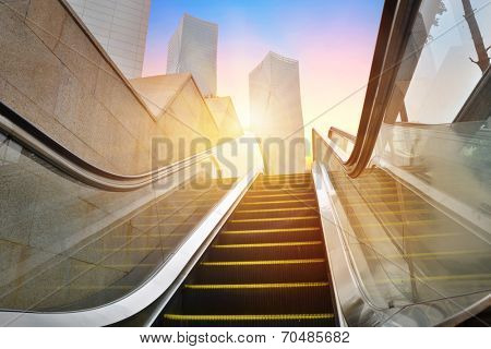escalator to office building