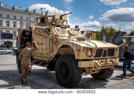 Oshkosh M-atv mine-resistant vehicle