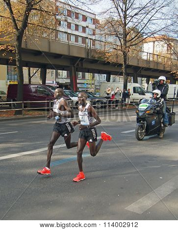 Dennis Kimetto running world record at Berlin Marathon 2014