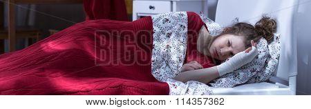 Woman Sleepless Because Of Pain