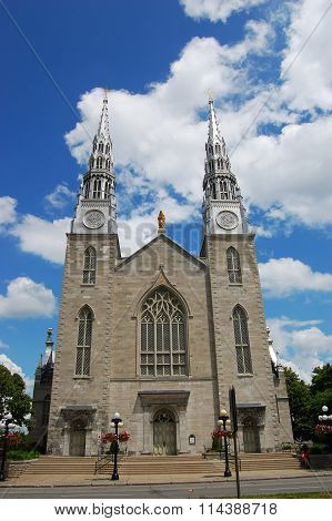 Cathedral Notre Dame in downtown Ottawa