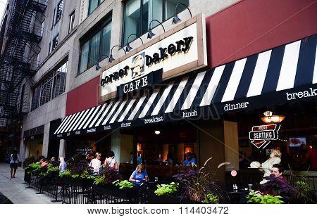 Corner Bakery Cafe Store