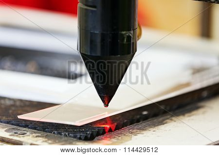 Red Laser On Cutting Machine