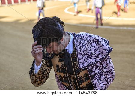 Spanish bullfighter Morante de la Puebla greeting the President at the end of the paseíllo to start
