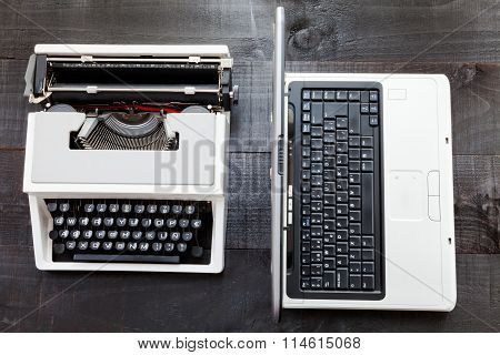 Typerwriter and laptop