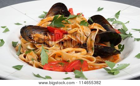 Fettuccine And Mussels