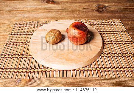 Bad pomegranate and kiwifruit