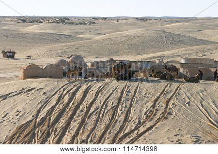 Star Wars Scenery Ong Jemel Near Nefta With Unknown Sand People