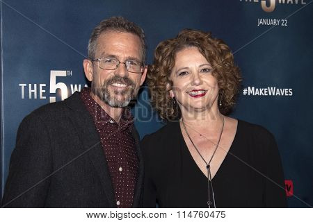 vLOS ANGELES - JAN 14:  Rick Yancey, Guest at the The 5th Wave Los Angeles Premiere at the Pacific Theatres At The Grove on January 14, 2016 in Los Angeles, CA