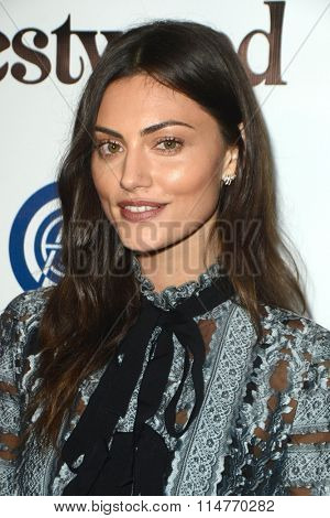 vLOS ANGELES - JAN 9:  Phoebe Tonkin at the The Art of Elysium Ninth Annual Heaven Gala at the 3LABS on January 9, 2016 in Culver City, CA