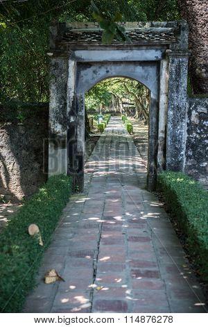 Inside Hoa Lu