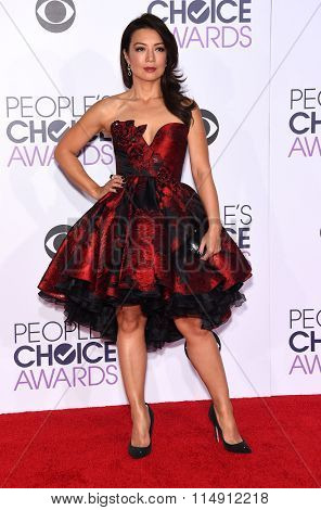 LOS ANGELES - JAN 06:  Ming-Na Wen arrives to the People's Choice Awards 2016  on January 06, 2016 in Hollywood, CA.