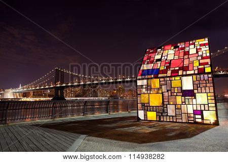 Tom Fruins, Kolonihavehus, Famous Stained Glass House In Brooklyn Bridge Park, Nyc.