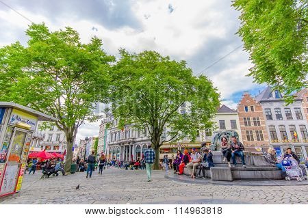 BRUSSELS, BELGIUM - 11 AUGUST, 2015: Statue fountain of Charles Buls entitled The Mayor and his dog