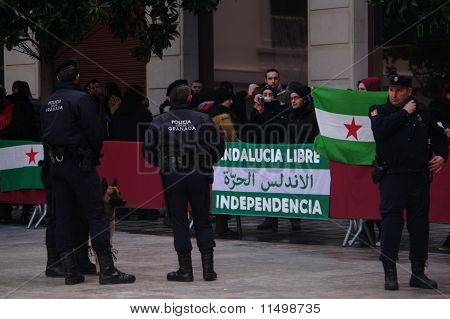 Extreme left protesters 01