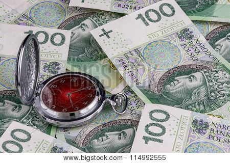 Time is money, Polish 100 zloty banknotes with traditional clock