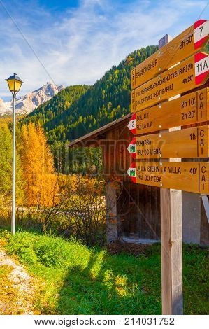 December 2014 during this time of year tourists walking along the paths of the beautiful val gardena follow these signs in order not to lose themselves.