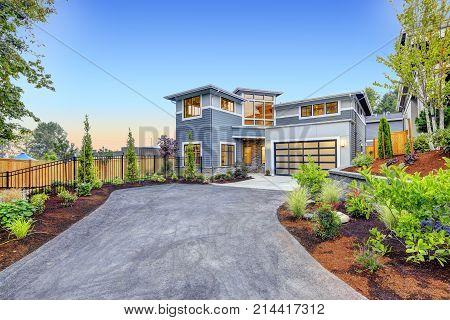 Modern Craftsman Style Home Exterior.
