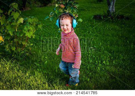 Cute Baby Singer