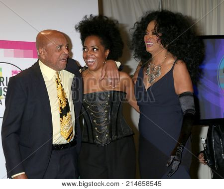 LOS ANGELES - NOV 19:  Berry Gordy, Rhonda Ross Kendrick, Diana Ross at the American Music Awards 2017 at Microsoft Theater on November 19, 2017 in Los Angeles, CA