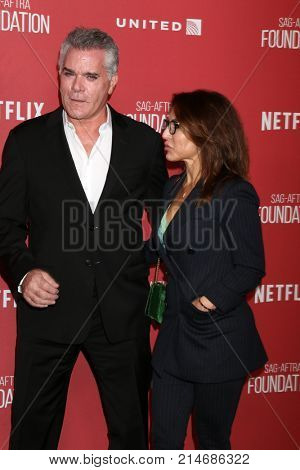 LOS ANGELES - NOV 9:  Ray Liotta, Michelle Grace at the Patron of the Artists Awards 2017 at Wallis Annenberg Centeron November 9, 2017 in Beverly Hills, CA