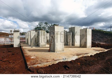 Construction of a great work, foundation and foundation