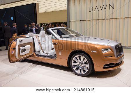 Rolls-royce Dawn Luxury Convertible