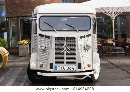 White Citroen H Van, Vintage Light Truck