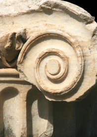 Pillar of the Ionic order
