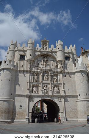 Beautiful Arch Of Santa Maria From The Roman Bridge Dated In The 15th Century In Burgos. August 28,