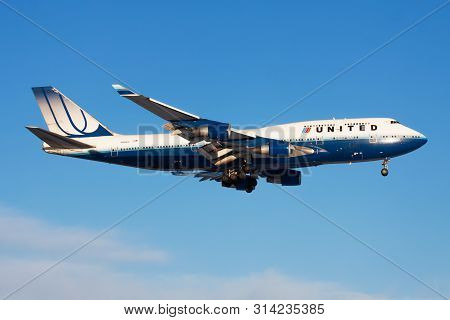 Frankfurt / Germany - December 8, 2012: United Airlines Boeing 747-400 N199ua Passenger Plane Landin