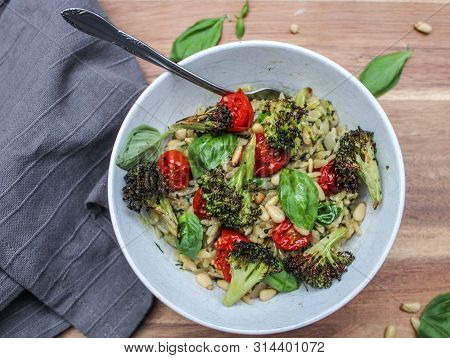 Orzo Pesto Pasta With Caramelised Cherry Tomatoes And Broccoli