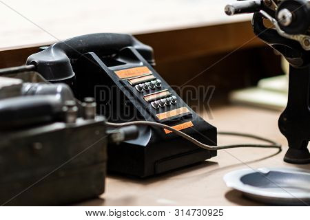 Doncaster, Uk - 28th July 2019: An Old Vintage Army Telephone Sits On A Desk On Display At An Aviati
