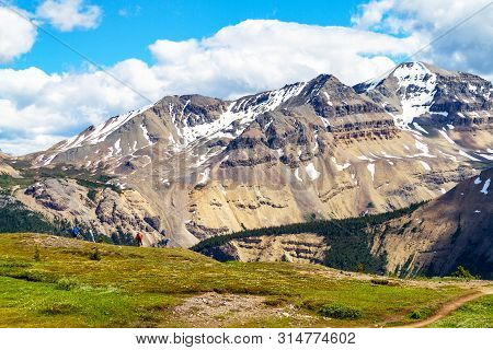 The Canadian Rockies At The Crest Of Parker Ridge Hike On The Icefields Parkway In Jasper National P
