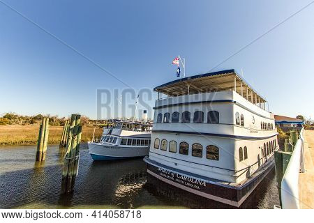 Charleston, South Carolina, Usa - February 21, 2021: The Spirit Of Carolina Tour Boat Docked In The