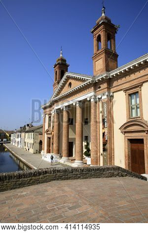Comacchio (fe),  Italy - April 30, 2017: The Old Hospital Of Infirms And San Pietro Church In Comacc