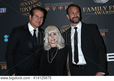 LOS ANGELES - MAR 24:  Vincent dePaul, Elizabeth Travis, Matt Shapira at the 14th Family Film Awards at the Universal Hilton Hotel on March 24, 2021 in Universal City, CA