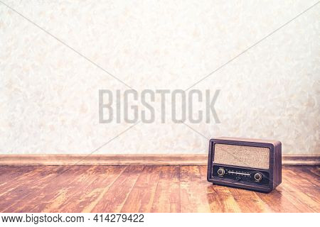 Retro Vintage Radio Background With Old Wall Paper Texture Pattern. Nostalgia Music Backdrop And Wal