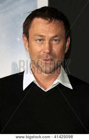 LOS ANGELES - JAN 24:  Grant Bowler arrives at the the 'Hansel And Gretel: Witch Hunters' premiere at the Chinese Theat theer on January 24, 2013 in Los Angeles, CA